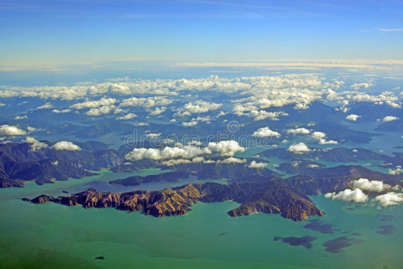 Vista aérea da baía de combate, sons de Marlborough, Nova Zelândia foto de stock royalty free