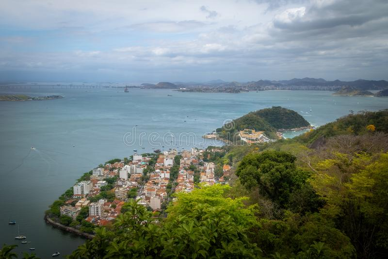 Vista aérea da baía de Guanabara, do Urca e do Sao Joao Fortress - Rio de janeiro, Brasil foto de stock royalty free