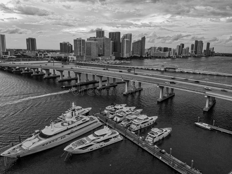 Vista aérea da baía em Miami Florida, EUA fotografia de stock royalty free