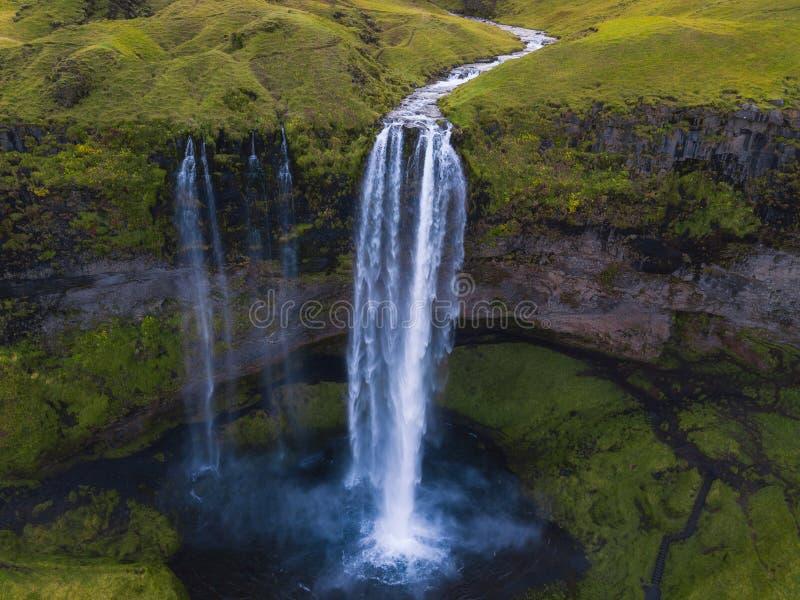 Vista aérea da cachoeira de Seljalandsfoss em Islândia fotografia de stock