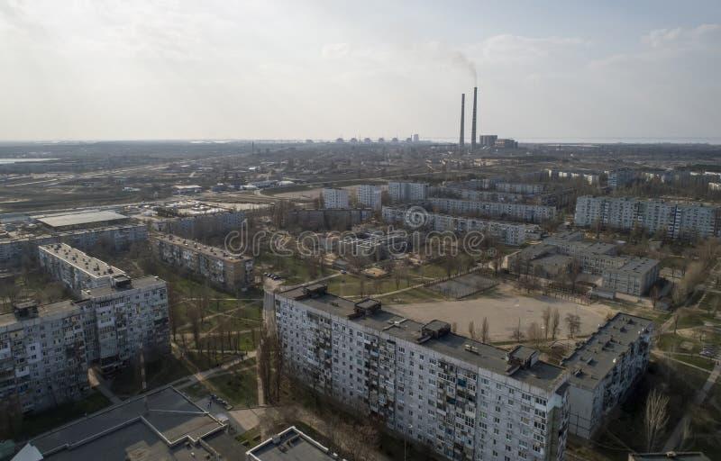 Vista aérea da cidade, central nuclear, central térmica e céu Vista superior imagem de stock royalty free