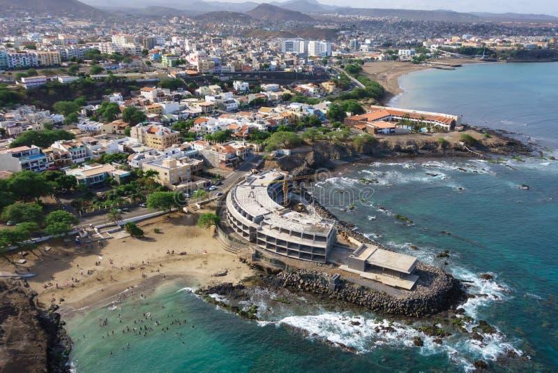 Vista aérea da cidade do Praia no Santiago - a capital de Cabo Verde é foto de stock royalty free