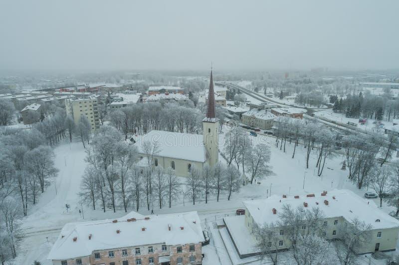 Vista aérea da cidade em um dia de inverno frio fotos de stock