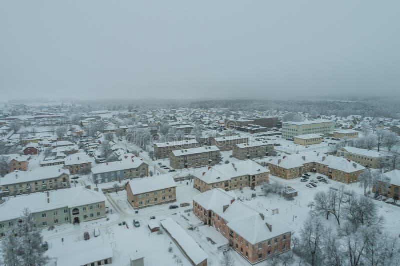 Vista aérea da cidade em um dia de inverno frio fotografia de stock royalty free