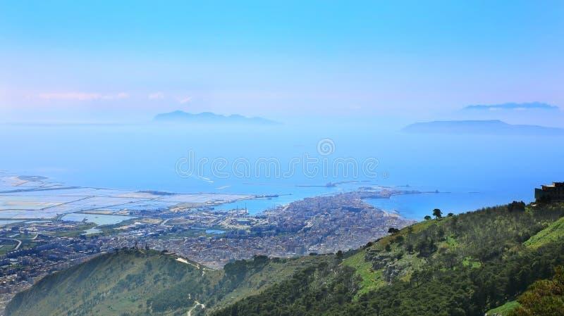 Vista aérea da cidade siciliano de Trapani, Itália imagem de stock royalty free