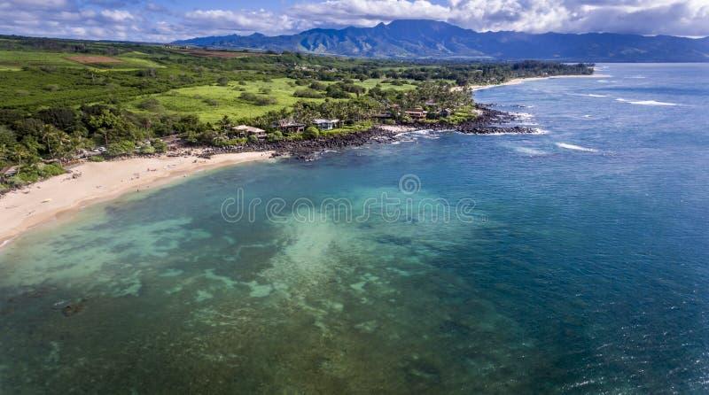 Vista aérea da costa norte de Oahu imagens de stock royalty free