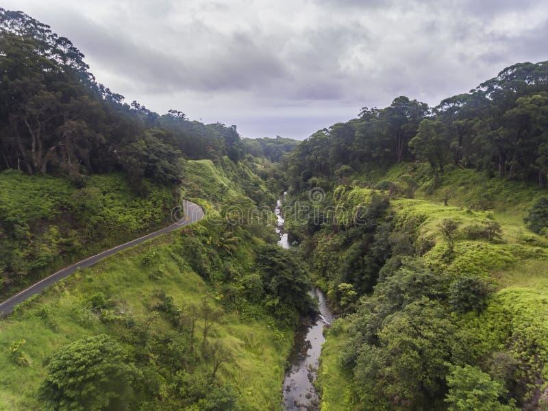 Vista aérea da estrada para Hana Maui imagens de stock royalty free