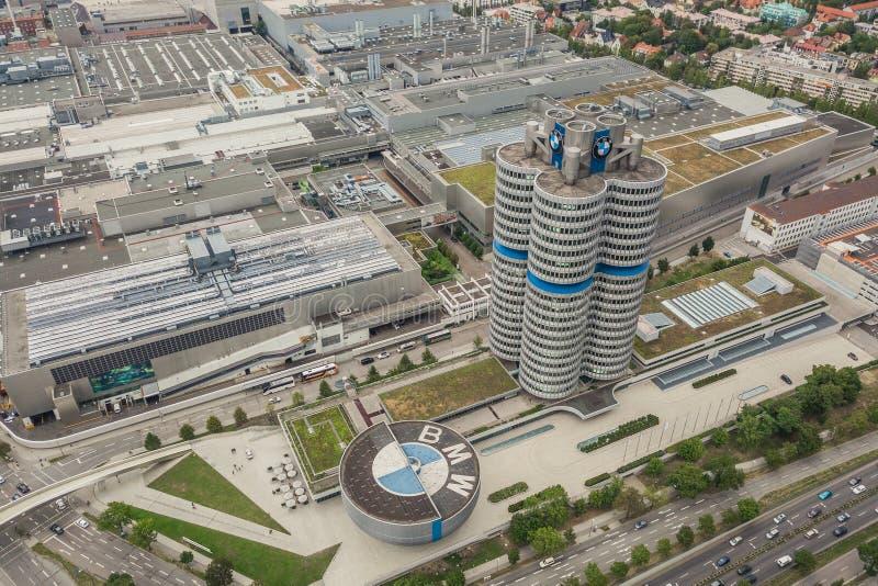 Vista aérea da fábrica e do museu de BMW em Munich fotos de stock royalty free