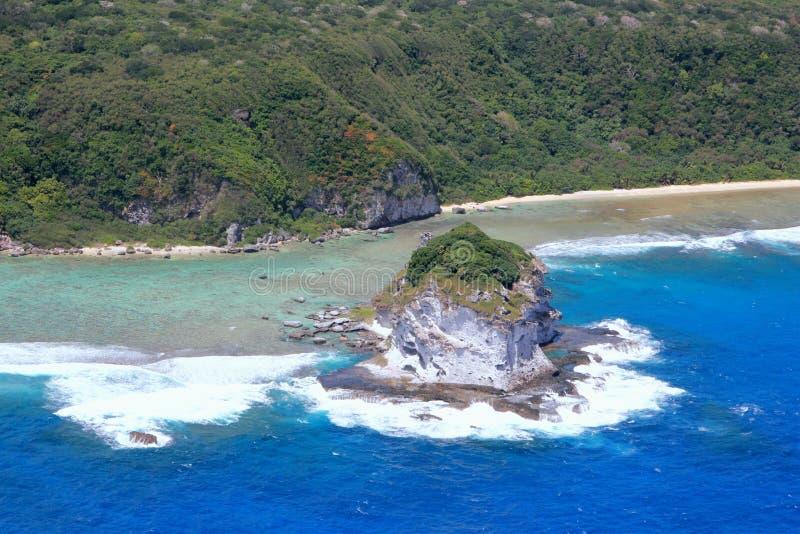 Vista aérea da ilha de pássaro, Saipan foto de stock royalty free