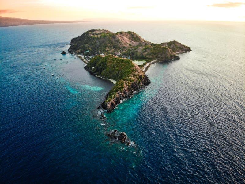 Vista aérea da ilha do Apo, as Filipinas fotos de stock royalty free
