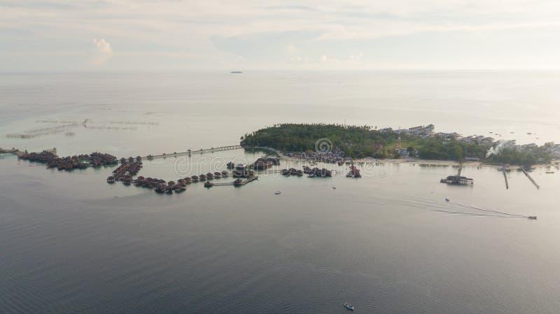 Vista aérea da ilha do mabul em Malásia fotos de stock royalty free