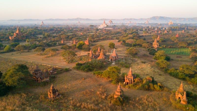 Vista aérea da planície de Bagan em Myanmar imagem de stock royalty free