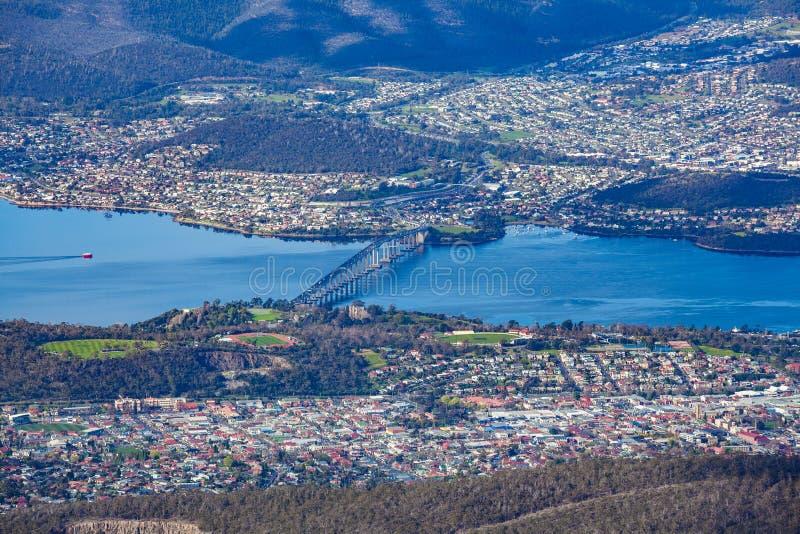 Vista aérea da ponte de Tasman e do Hobart, Tasmânia foto de stock