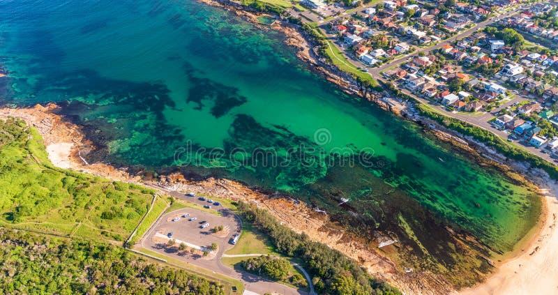 Vista aérea da praia de Malabar, Sydney, Austrália fotografia de stock