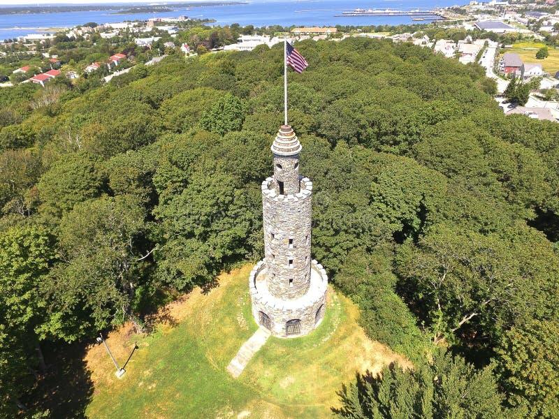 Vista aérea da torre de pedra, Newport RI do zangão Quadcopter imagens de stock
