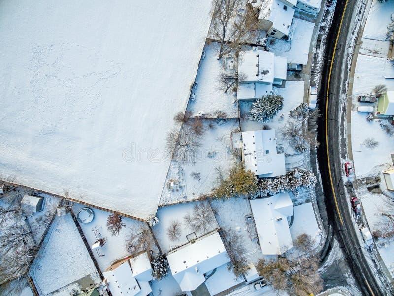 Vista aérea da vizinhança residencial imagens de stock