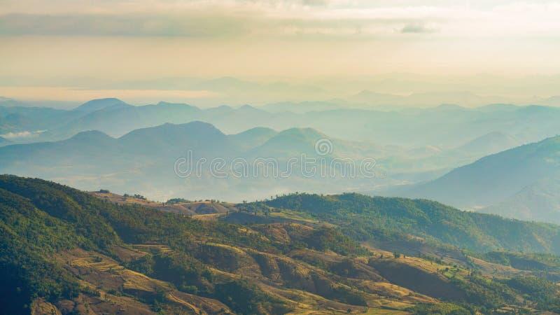 Vista aérea das montanhas fotografia de stock royalty free