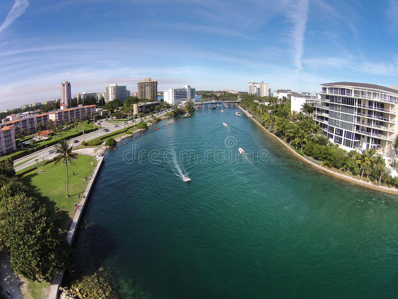 Vista aérea das vias navegáveis em Florida fotografia de stock