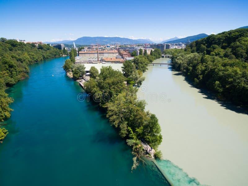 Vista aérea de Arve un río Rhone confluente, Ginebra Switzerl imagenes de archivo