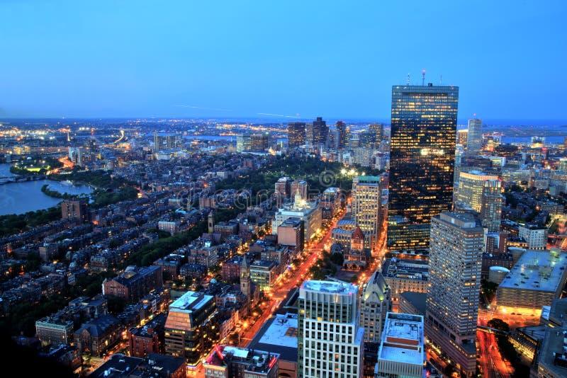 Vista aérea de Boston en la oscuridad foto de archivo