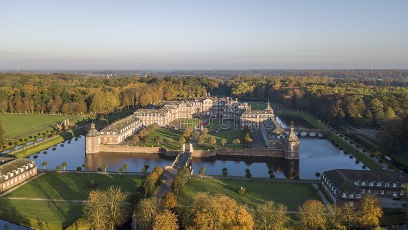 Vista aérea de castelo moated de Nordkirchen em Alemanha, conhecida como a Versalhes de Westphalia fotos de stock