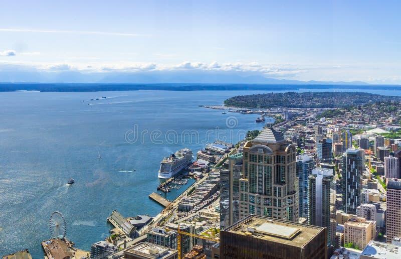 Vista aérea de distritos do centro de Seattle fotos de stock