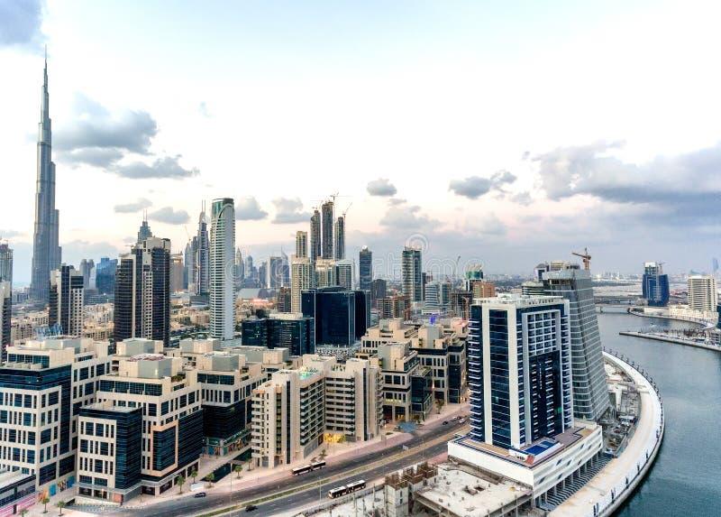 Vista aérea de Dubai céntrica en un día hermoso fotografía de archivo libre de regalías