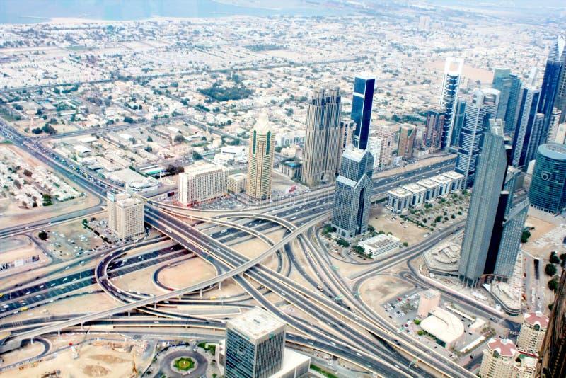 Vista aérea de Dubai en un día de verano, United Arab Emirates fotos de archivo