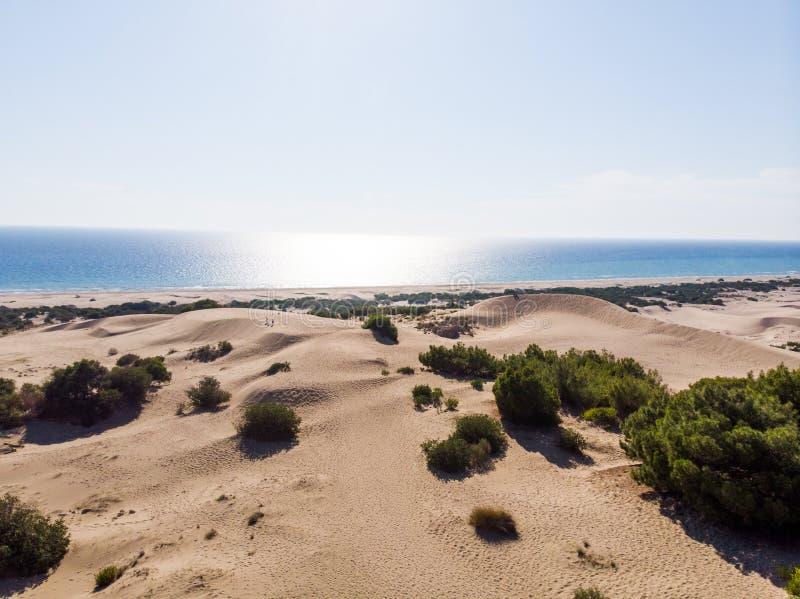 Vista aérea de dunas da praia e de areia de Patara na província Turquia de Antalya imagem de stock