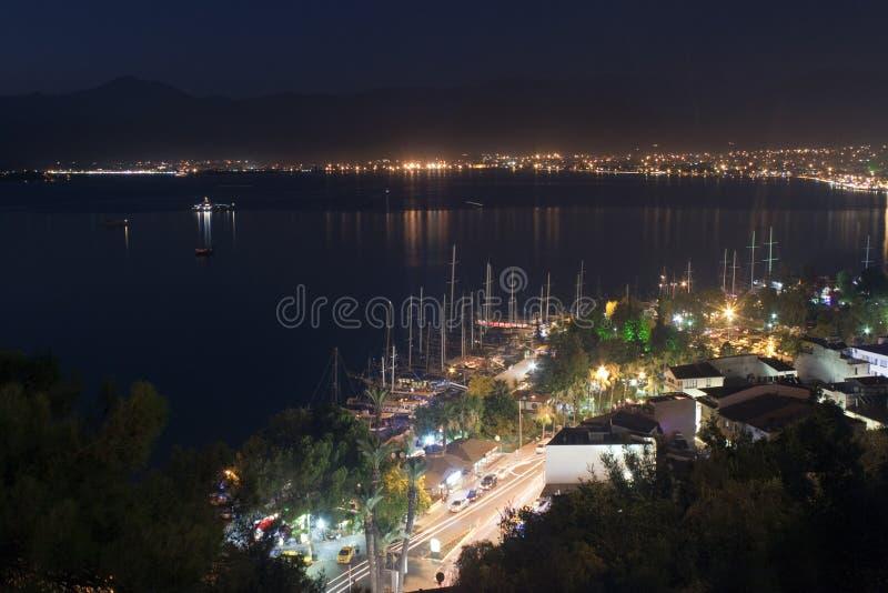 Vista aérea de Fethiye na noite foto de stock royalty free