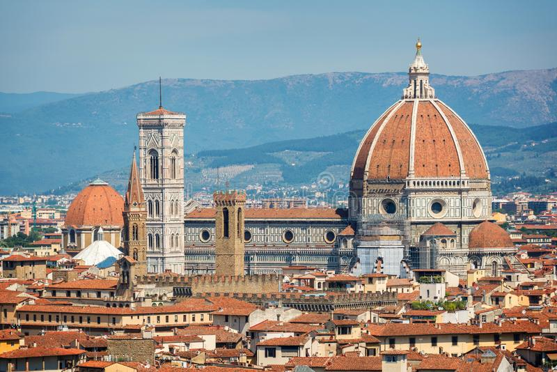 Vista aérea de Florença com a basílica Santa Maria del Fiore Duomo, Toscânia Itália fotos de stock
