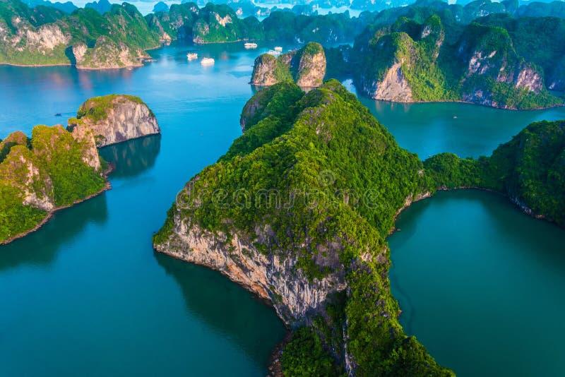 Vista aérea de Ha Long Bay, Vietnam fotos de archivo libres de regalías