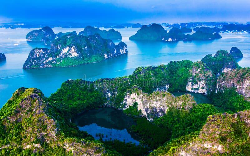 Vista aérea de Ha Long Bay, Vietnam foto de archivo libre de regalías