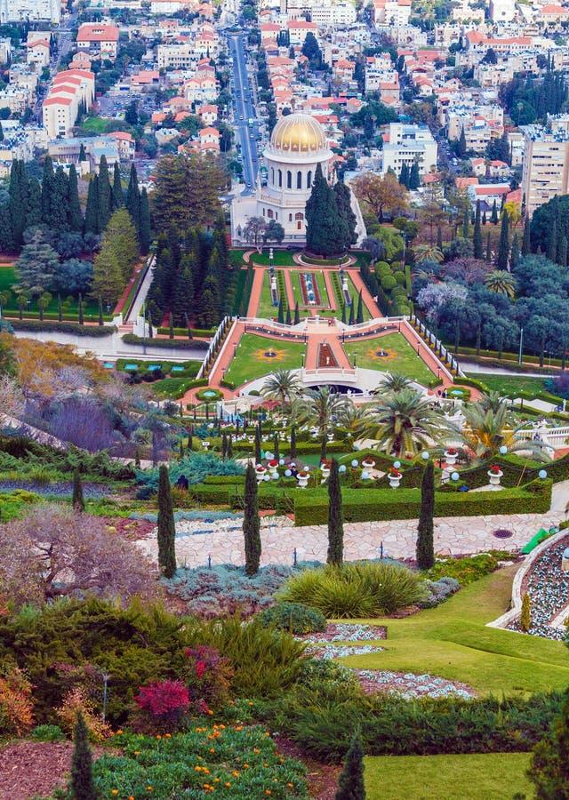 Vista aérea de Haifa do jardim de Bahai fotos de stock