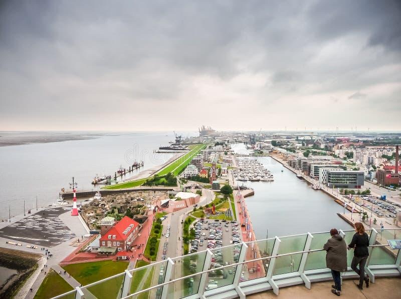 Vista aérea de Havenwelten famoso y de la ciudad hanseática Bremerhaven, Bremen, Alemania imágenes de archivo libres de regalías