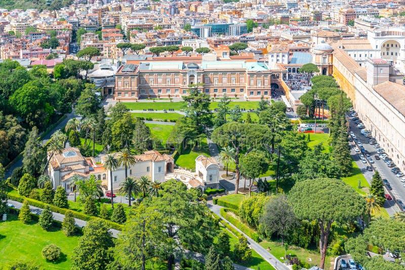 Vista aérea de jardins do Vaticano em Cidade Estado do Vaticano, Roma, Itália imagem de stock royalty free