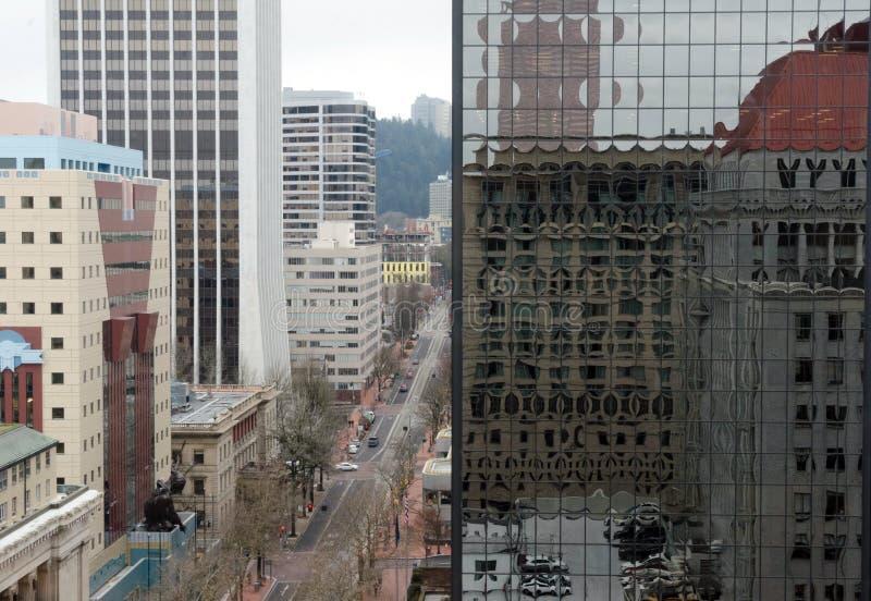 Vista aérea de la 6ª Avenida en el centro de Portland fotografía de archivo libre de regalías