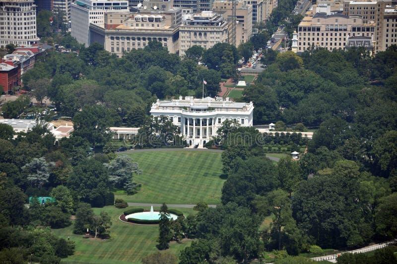 Vista aérea de la casa blanca fotos de archivo