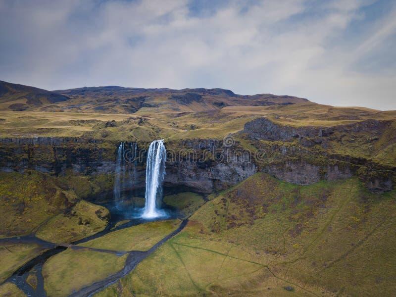 Vista aérea de la cascada de Seljalandsfoss en Islandia imágenes de archivo libres de regalías