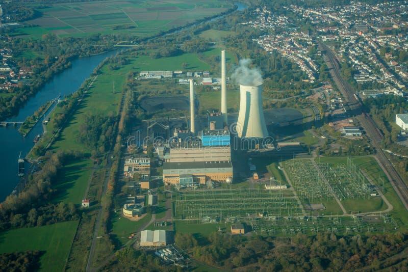 Vista aérea de la central eléctrica fotografía de archivo