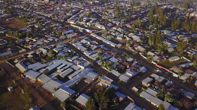 Vista aérea de la ciudad etíope remota de Jeldu Gojo en la primera luz imágenes de archivo libres de regalías