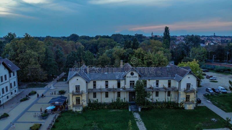 Vista aérea de la ciudad de Keszthely en el lago Balatón foto de archivo libre de regalías