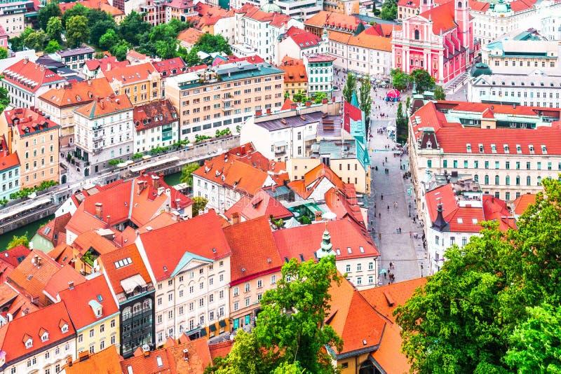 Vista aérea de la ciudad Ljubljana del castillo de Ljubljana - Eslovenia fotografía de archivo