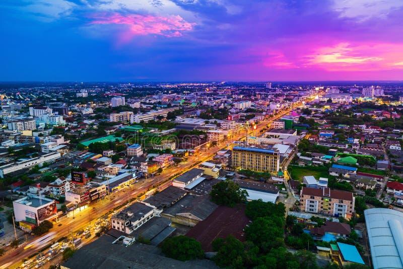 Vista aérea de la ciudad o de Korat en la puesta del sol, Thaila de Nakhon Ratchasima imágenes de archivo libres de regalías