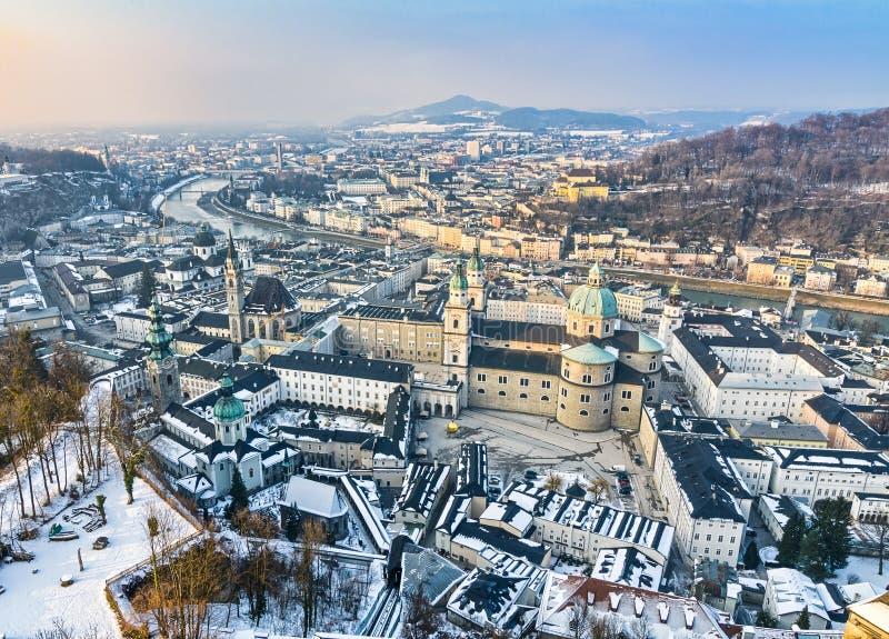 Vista aérea de la ciudad vieja de Salzburg, Austria fotografía de archivo libre de regalías