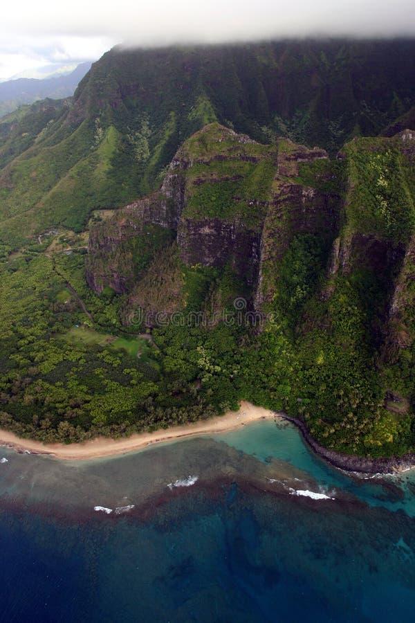 Vista aérea de la costa del Na Pali foto de archivo