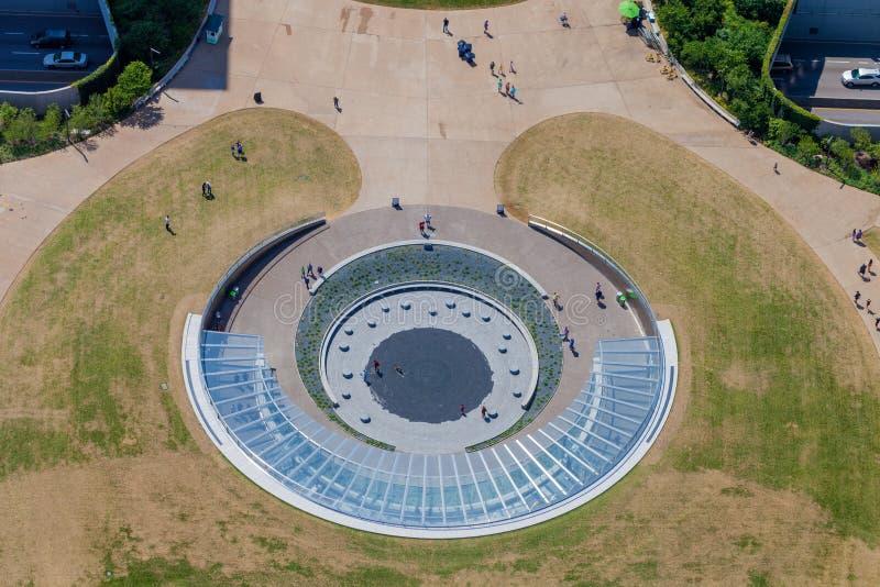 Vista aérea de la entrada del arco de la entrada en St. Louis, Missouri fotos de archivo libres de regalías