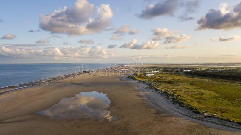Vista aérea de la playa en Sankt Peter Ording, Alemania fotos de archivo
