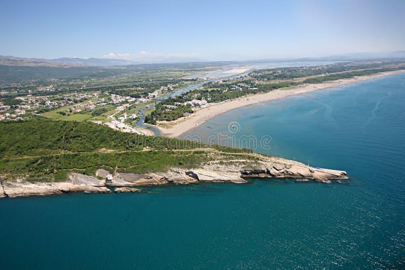 Vista aérea de la playa grande, Ulcinj, Montenegro fotos de archivo