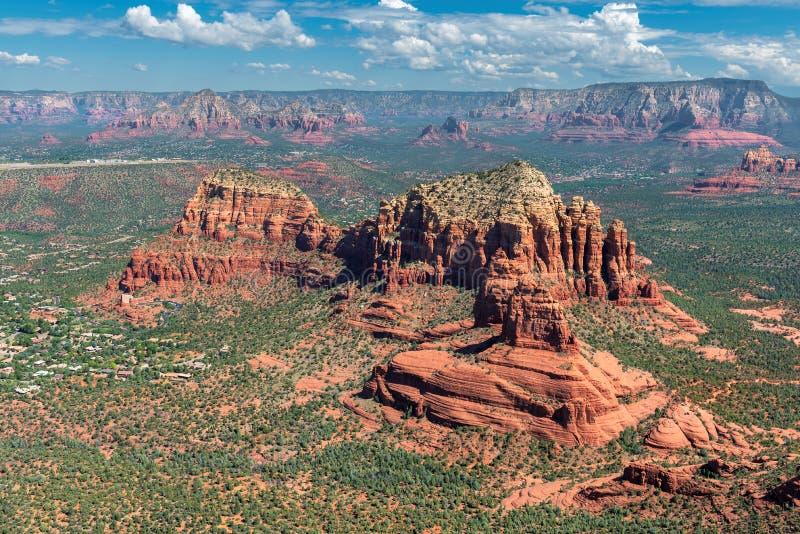 Vista aérea de la roca de la catedral, Sedona, Arizona imagen de archivo